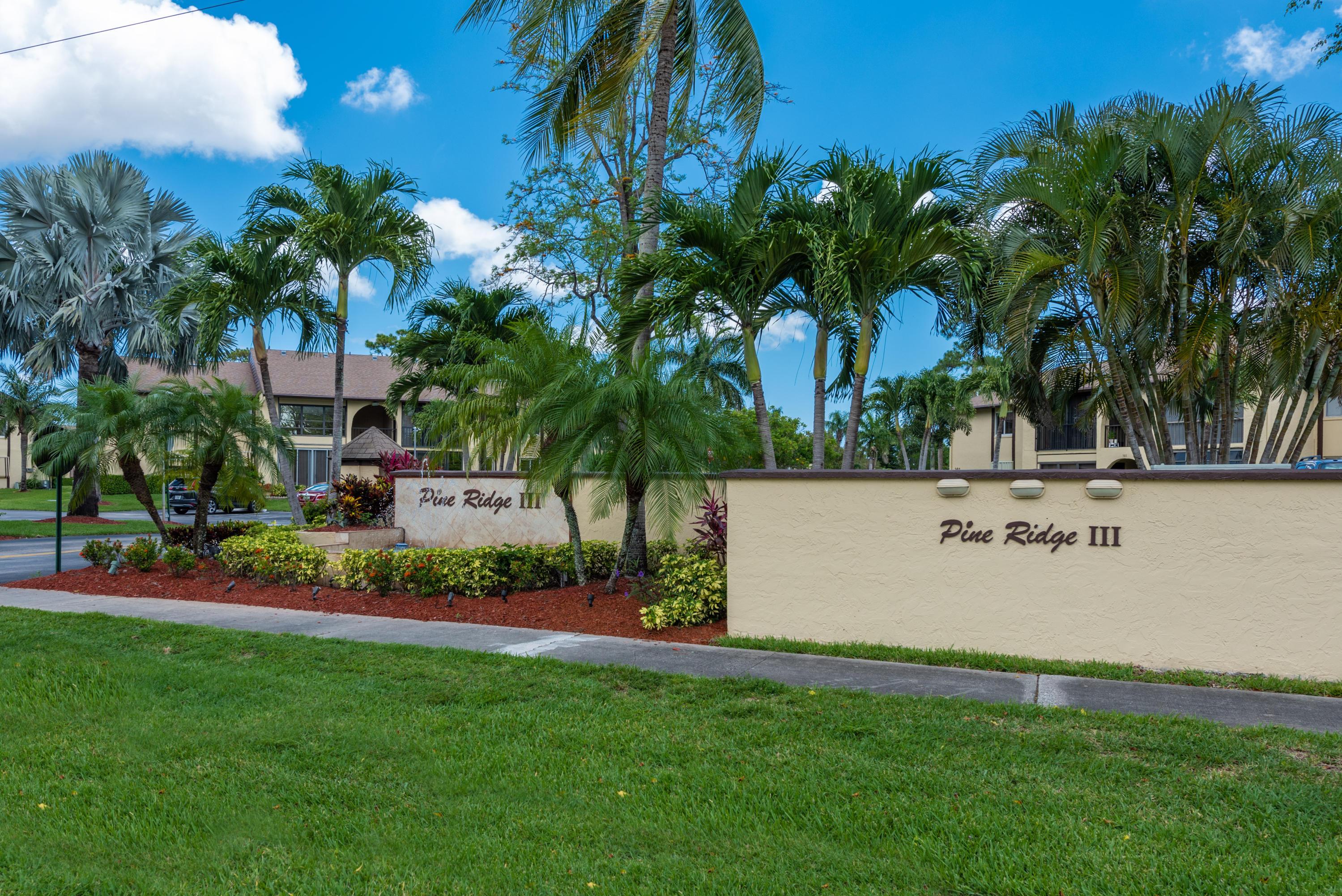 303 Pine Ridge Circle, Greenacres, FL 33463