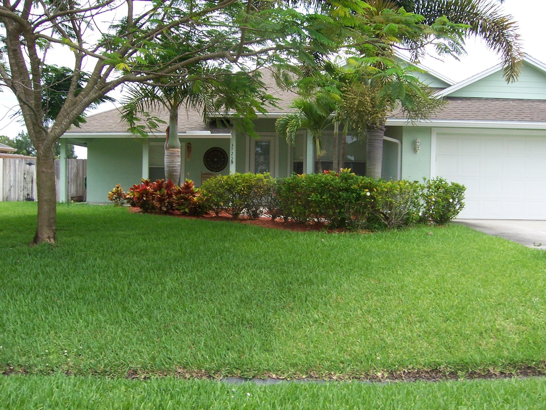 3725 Sw Wycoff Street, Port Saint Lucie, FL 34953