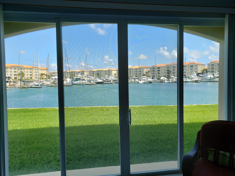 11 Harbour Isle W Drive, Fort Pierce, FL 34949