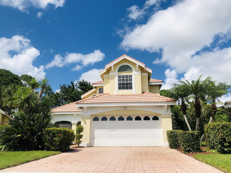 574 Sw New Castle Cove, Port Saint Lucie, FL 34986