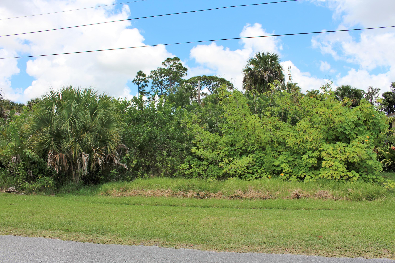 2319 Sw Madrid Road, Port Saint Lucie, FL 34953