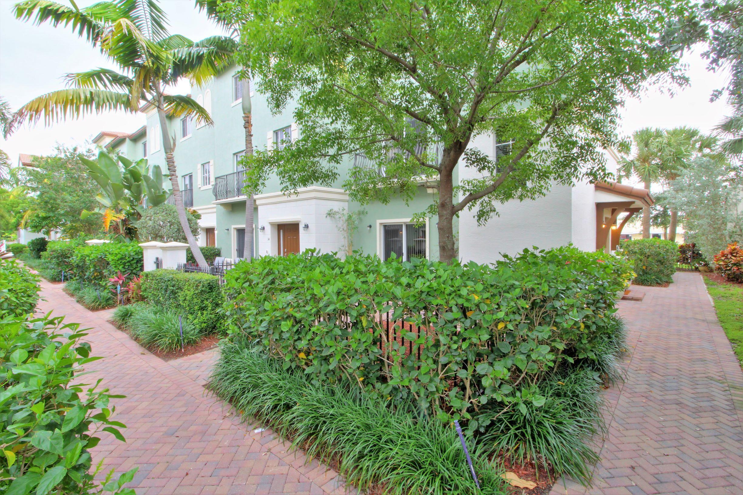 24 Nw 7th Street, Boca Raton, FL 33432