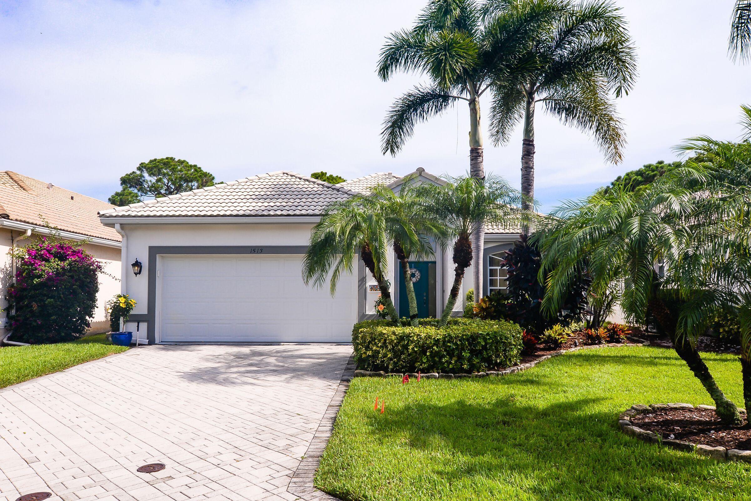 1513 Se Holyrood Lane, Port Saint Lucie, FL 34952