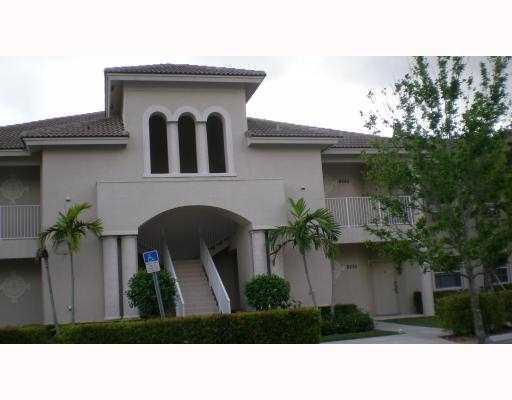 8243 Mulligan B Circle, Port Saint Lucie, FL 34986