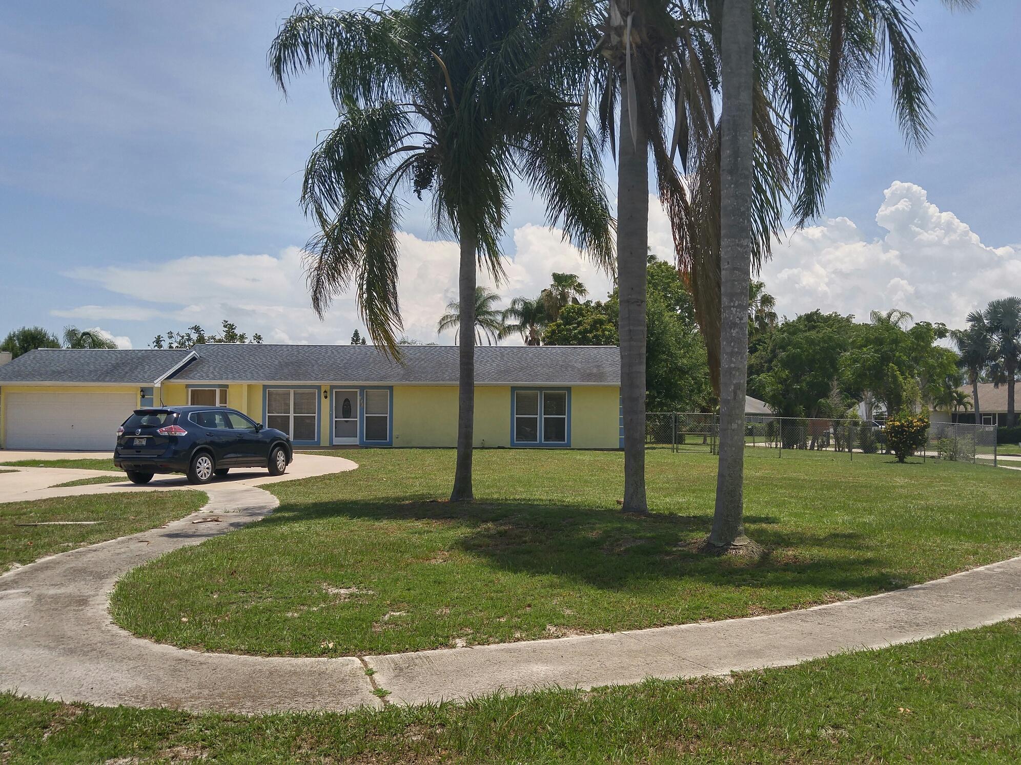 331 Ne Camelot Drive, Port Saint Lucie, FL 34983