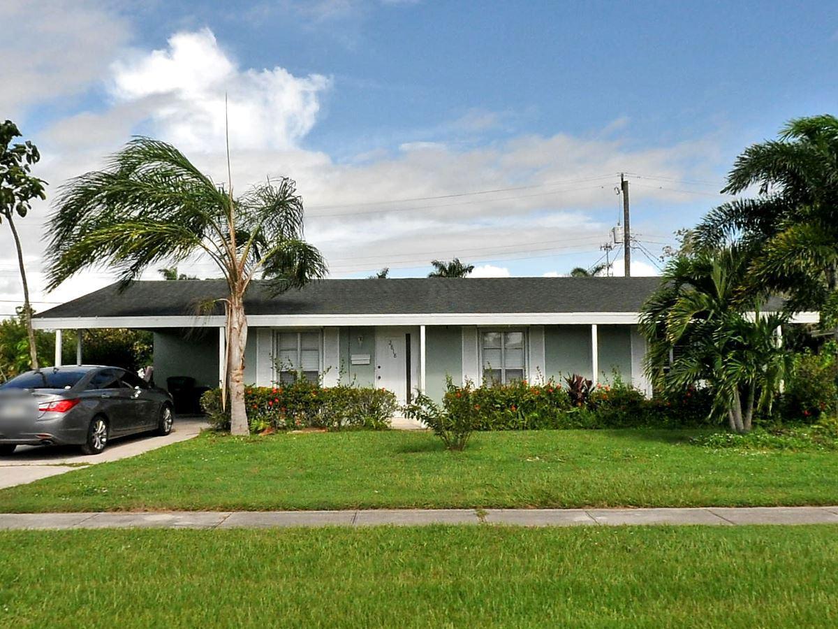 2818 Se Morningside Boulevard, Port Saint Lucie, FL 34952