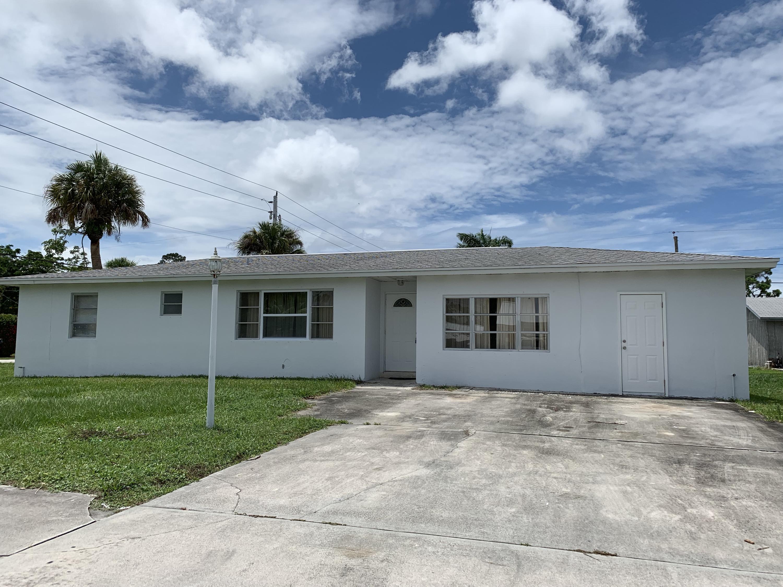 2899 Se Amherst Street, Stuart, FL 34997