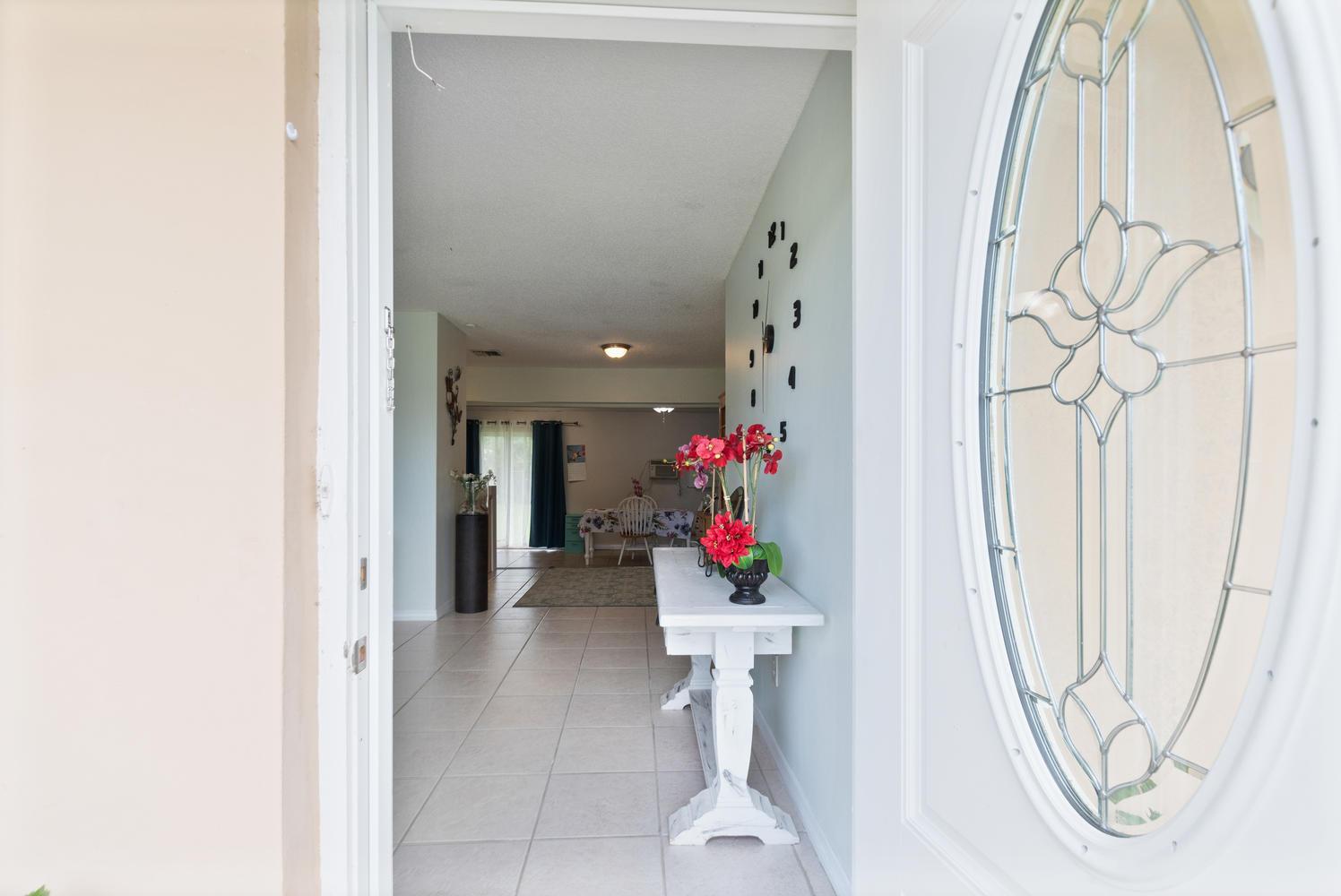 190 Ne Bracken Road, Port Saint Lucie, FL 34983