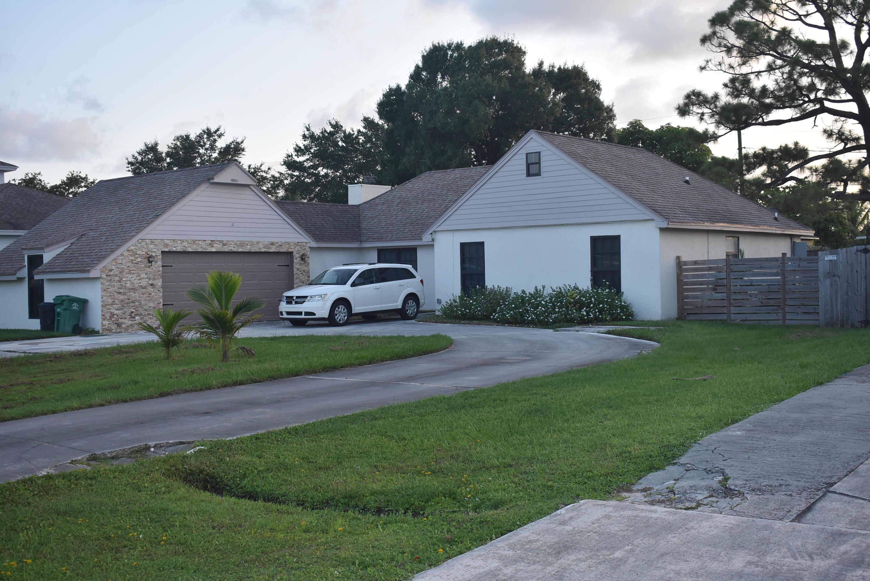 2386 Se Floresta Drive, Port Saint Lucie, FL 34984