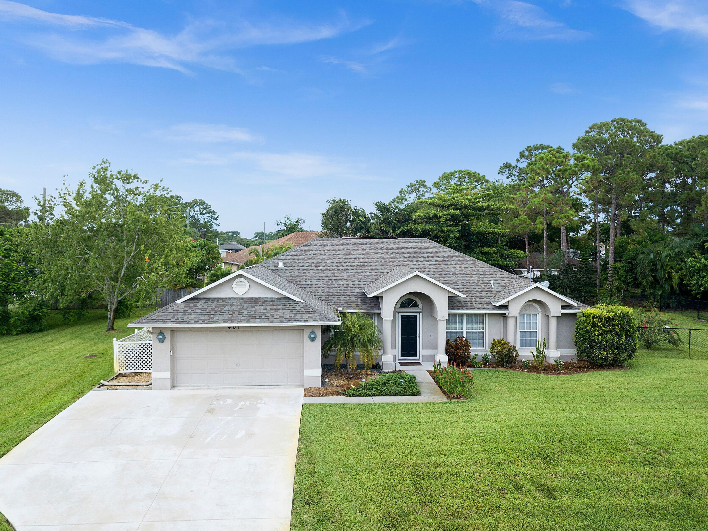 401 Se Walters Terrace, Port Saint Lucie, FL 34983