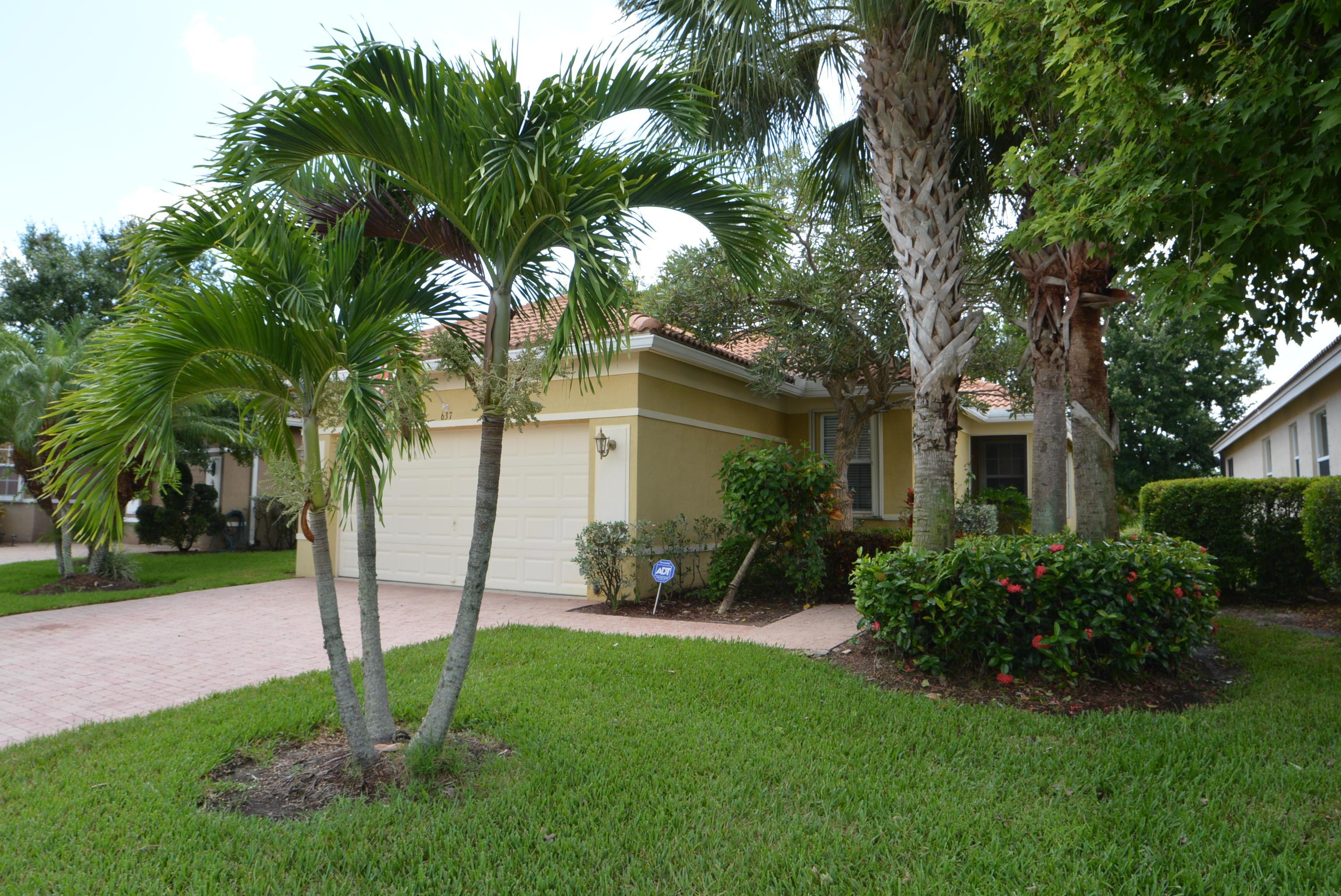 637 Nw Stanford Lane, Port Saint Lucie, FL 34983