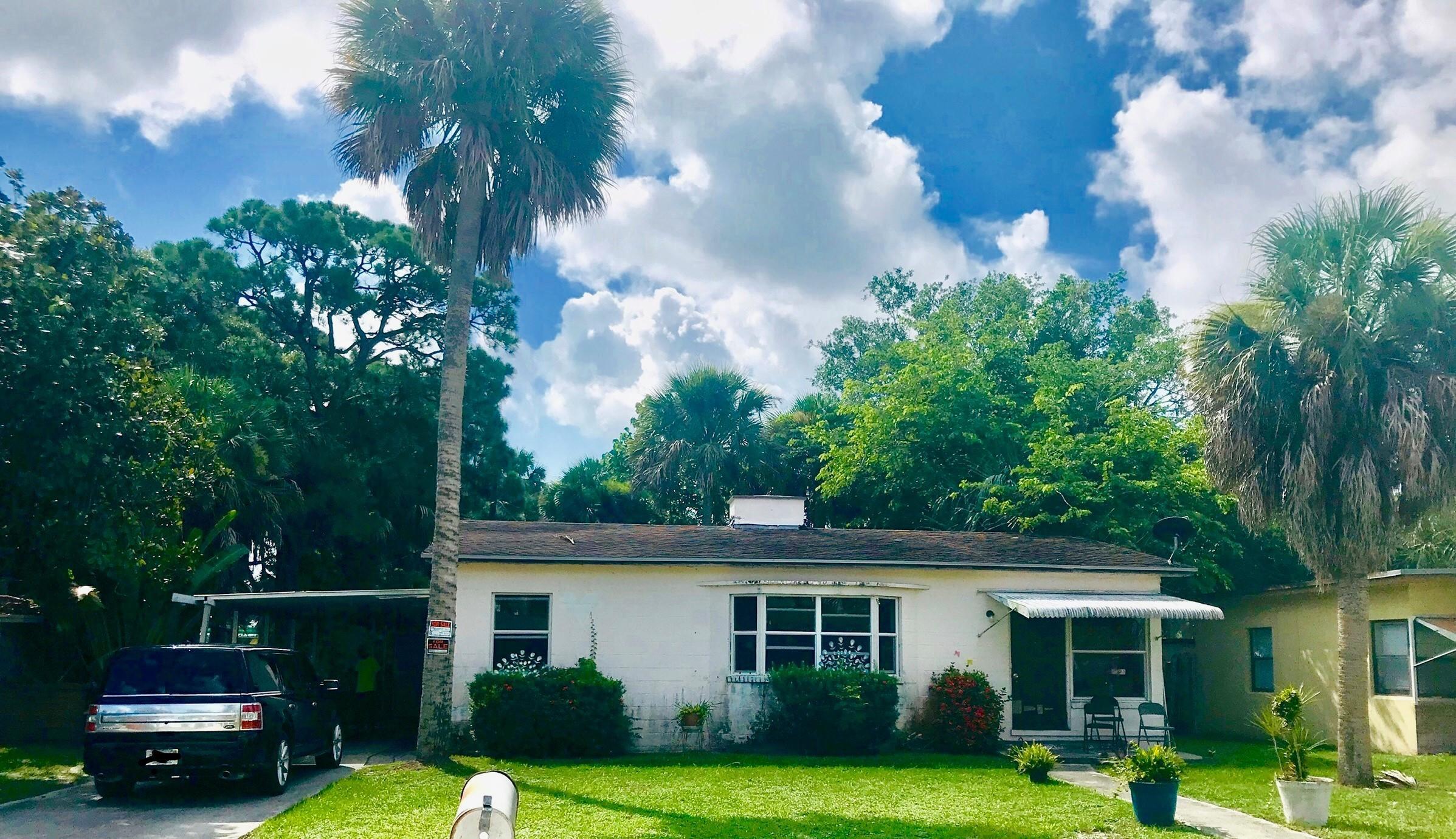 1010 Mayflower Road, Fort Pierce, FL 34950