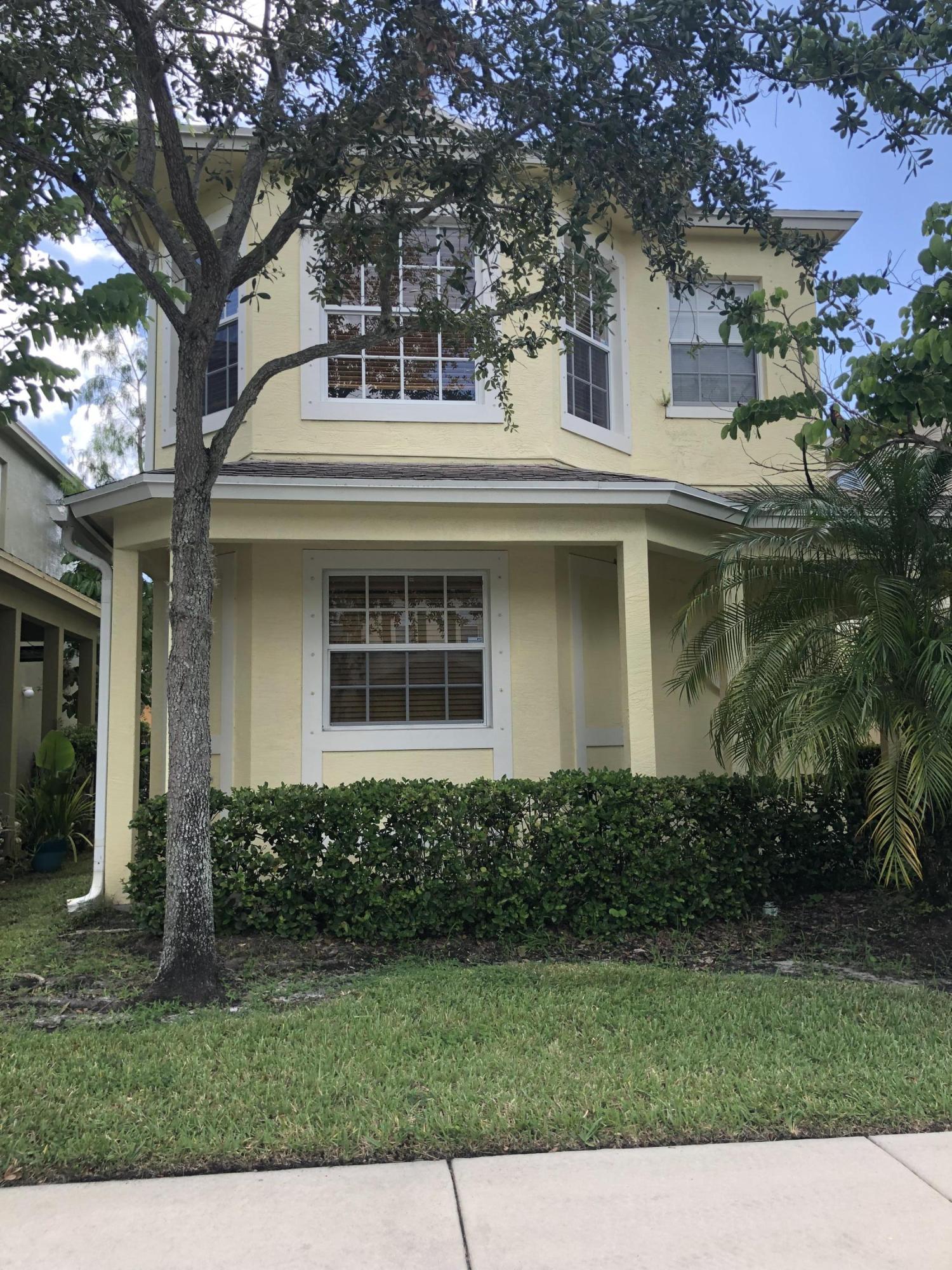 2542 Se Pineland Drive, Port Saint Lucie, FL 34952