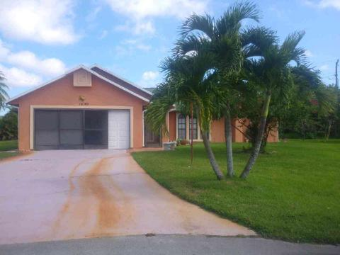 1600 Se Emporia Court, Port Saint Lucie, FL 34952