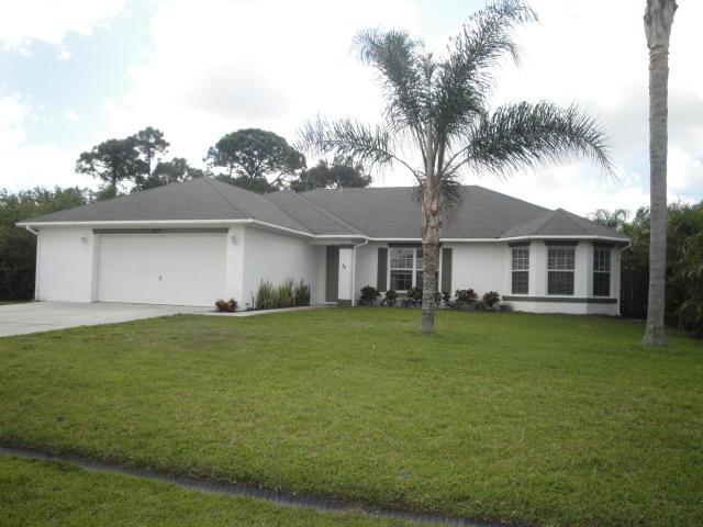 402 Se Strait Avenue, Port Saint Lucie, FL 34983