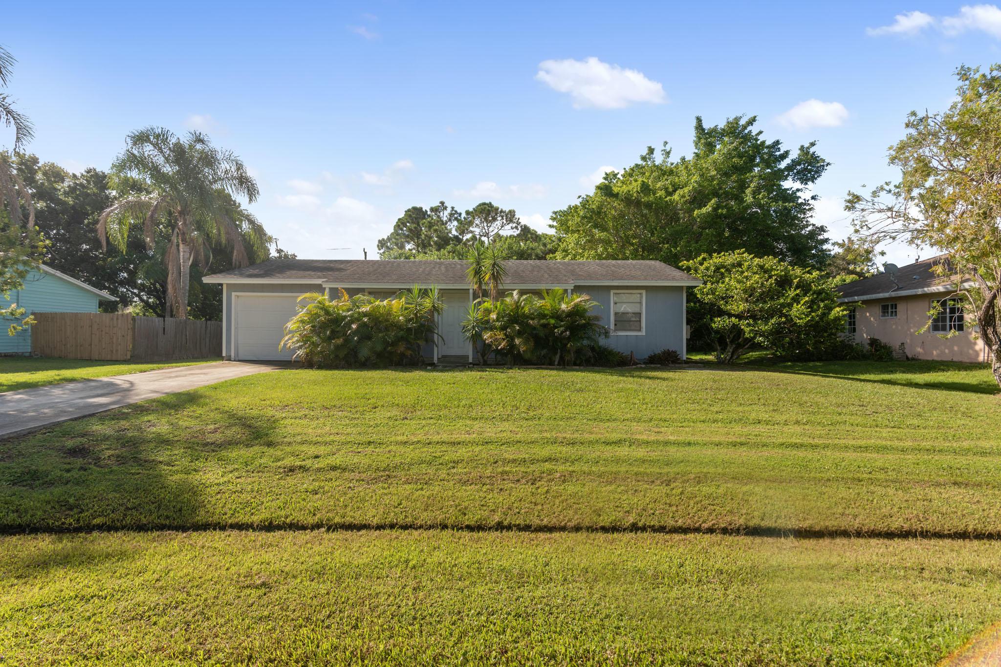 120 Sw De Gouvea Terrace, Port Saint Lucie, FL 34984