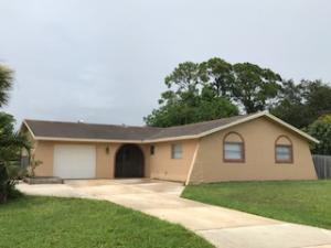 104 Nw Curry Street, Port Saint Lucie, FL 34983