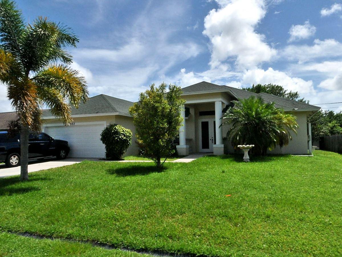 962 Sw Haas Av Avenue, Port Saint Lucie, FL 34953