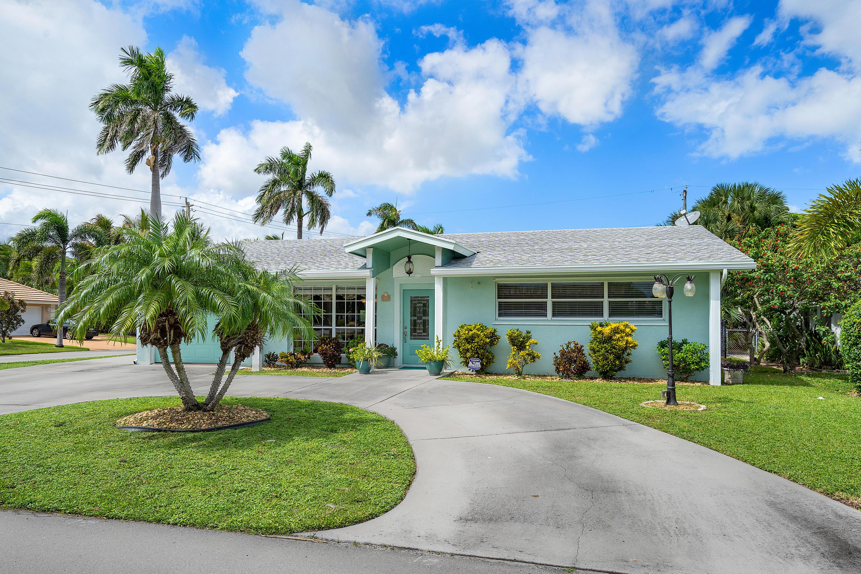 131 Cascade Lane, Palm Beach Shores, FL 33404