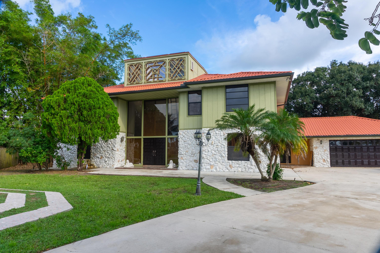 798 Se River Court, Port Saint Lucie, FL 34983