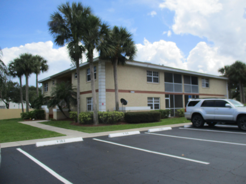 1566 Se Royal Green Circle, Port Saint Lucie, FL 34952