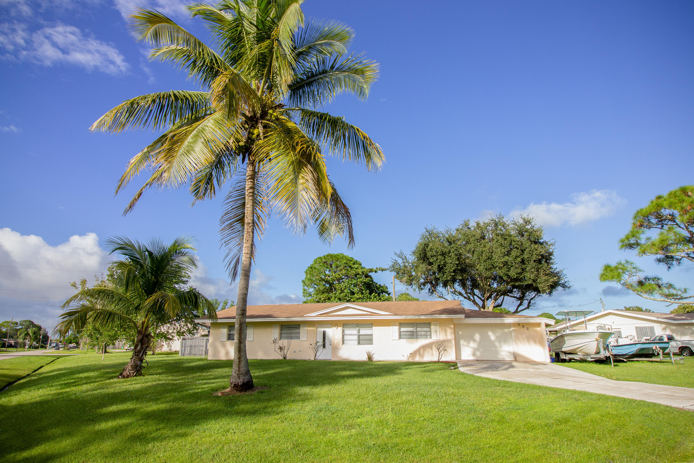 591 Sw Dwight Sw Avenue, Port Saint Lucie, FL 34983
