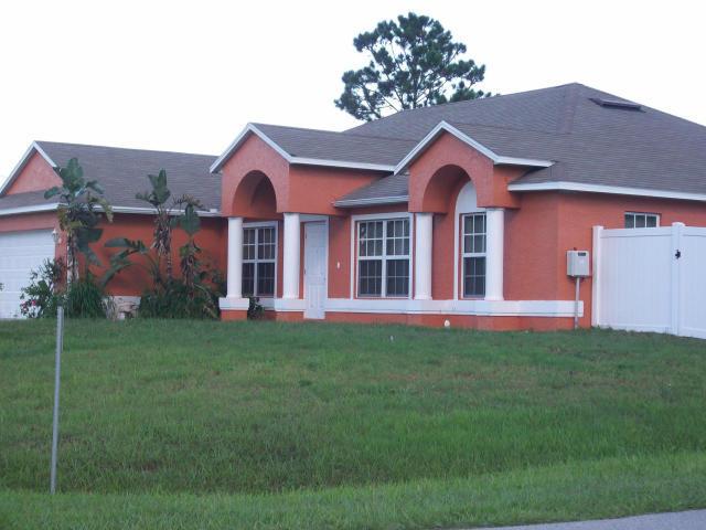 714 Sw Paar Drive, Port Saint Lucie, FL 34953