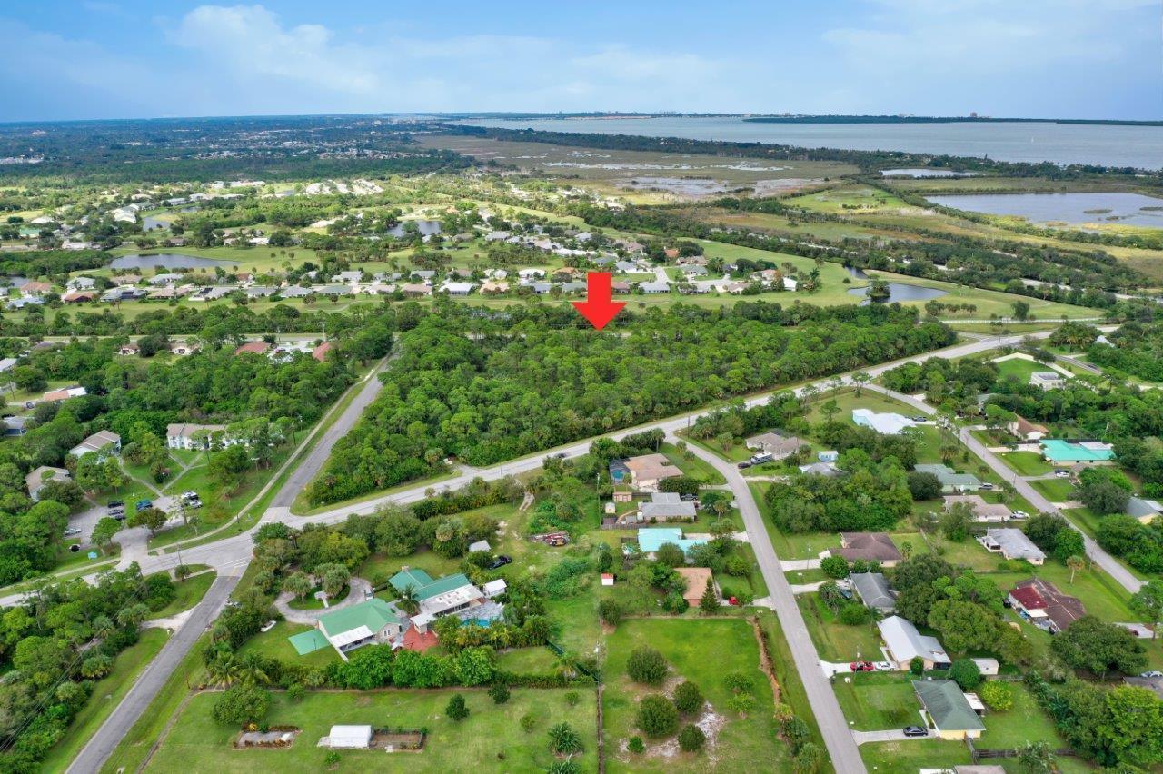 1010 E Midway Road, Fort Pierce, FL 34982