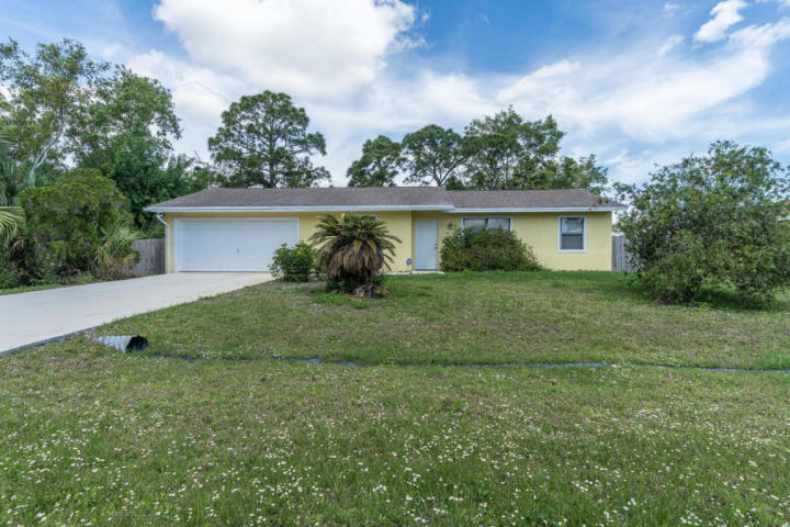 443 Se Karney Terrace, Port Saint Lucie, FL 34983