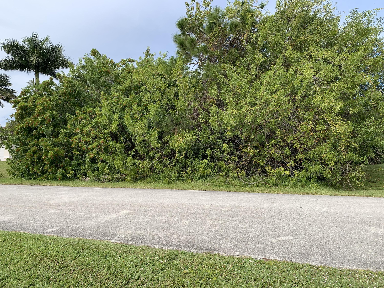 5774 Nw Eskimo Circle, Port Saint Lucie, FL 34986