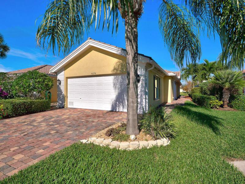 11274 Sw Pembroke Drive, Port Saint Lucie, FL 34987