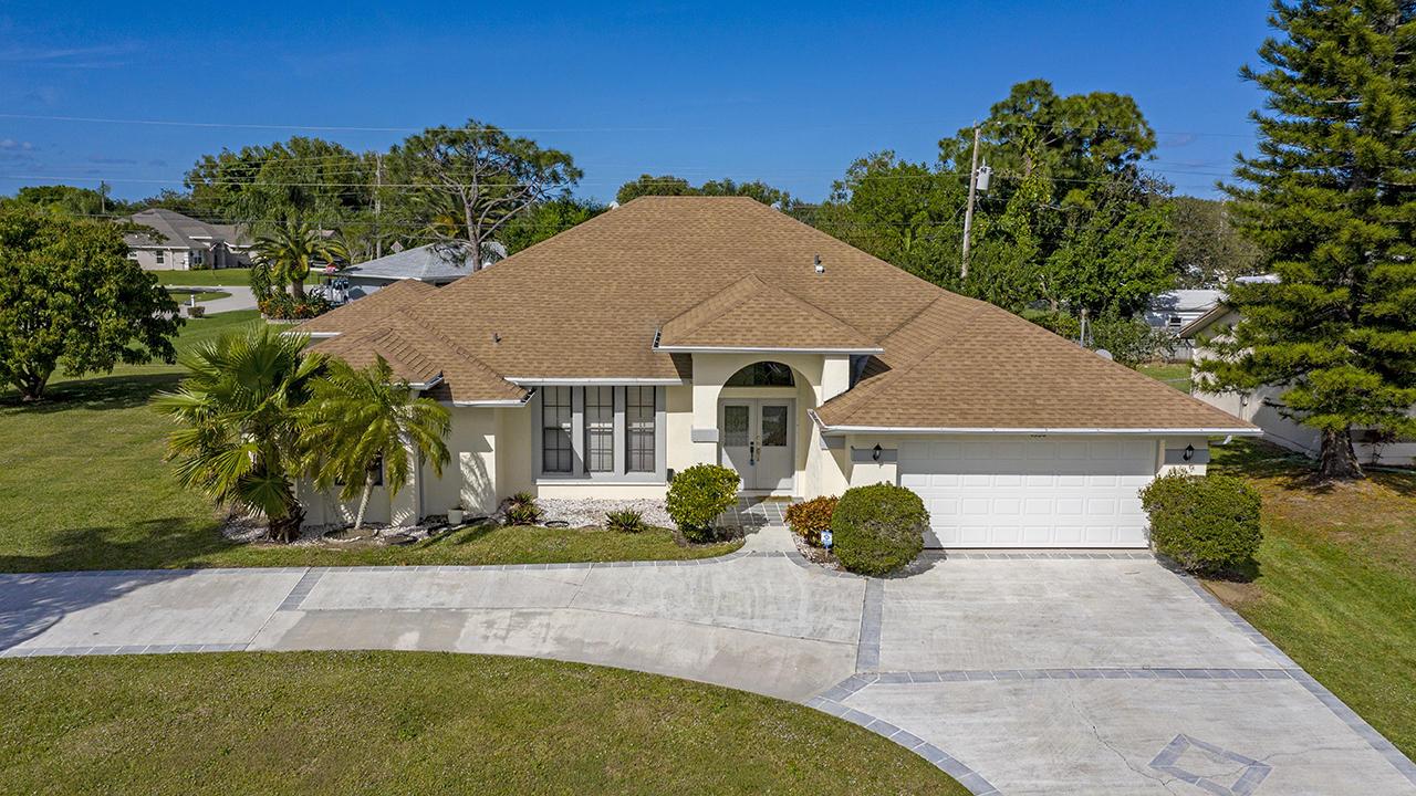 4990 Nw Ironton Avenue, Port Saint Lucie, FL 34983