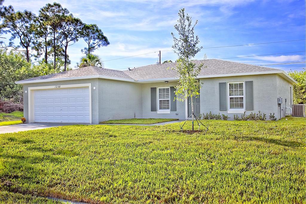 1686 Sw Abingdon Avenue, Port Saint Lucie, FL 34953