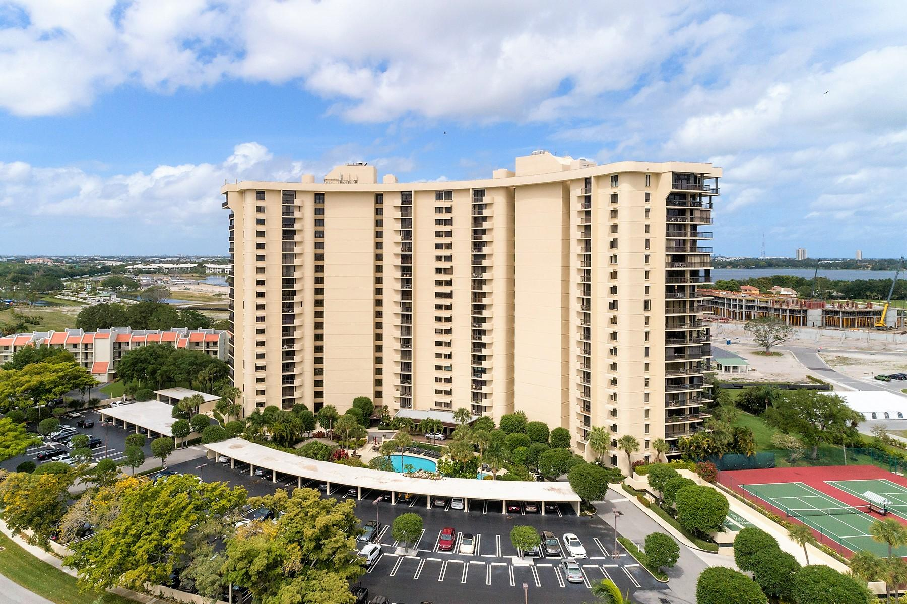 2480 Presidential Way, West Palm Beach, FL 33401