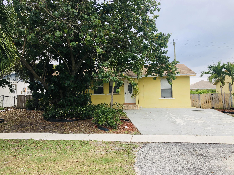 70 Miner Road, Boynton Beach, FL 33435