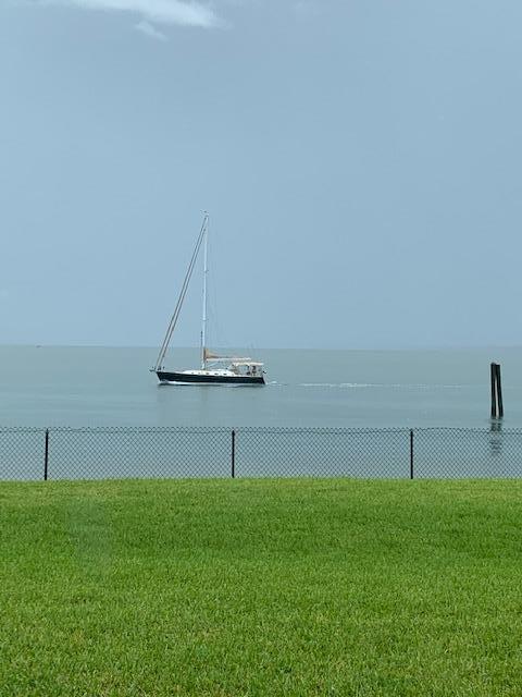 30 Harbour Isle W Drive, Fort Pierce, FL 34949