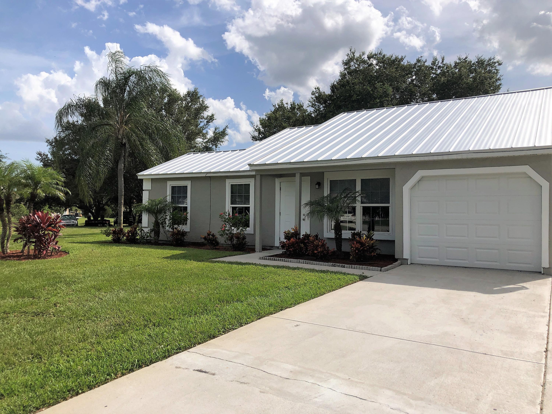 1050 Se Bethume Court, Port Saint Lucie, FL 34952