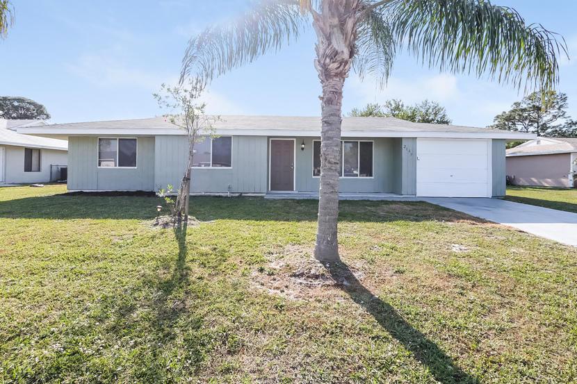 2169 Se Shelter Drive, Port Saint Lucie, FL 34952