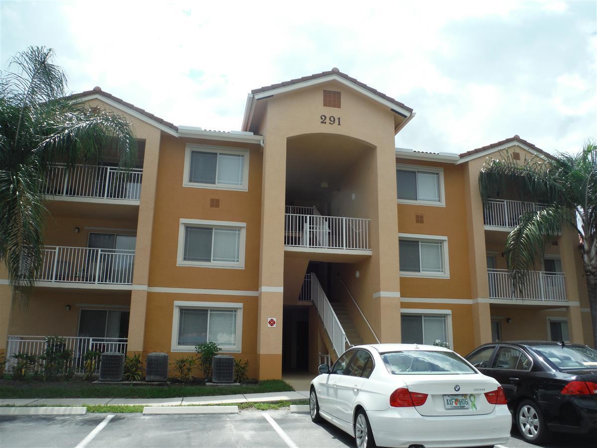 291 Sw Palm Drive, Port Saint Lucie, FL 34986