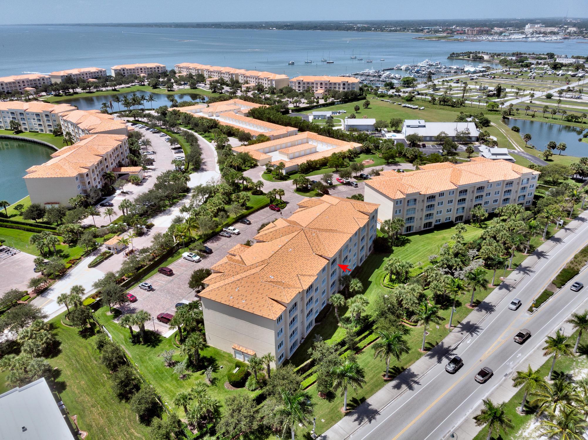 36 W Harbour Isle Drive, Fort Pierce, FL 34949