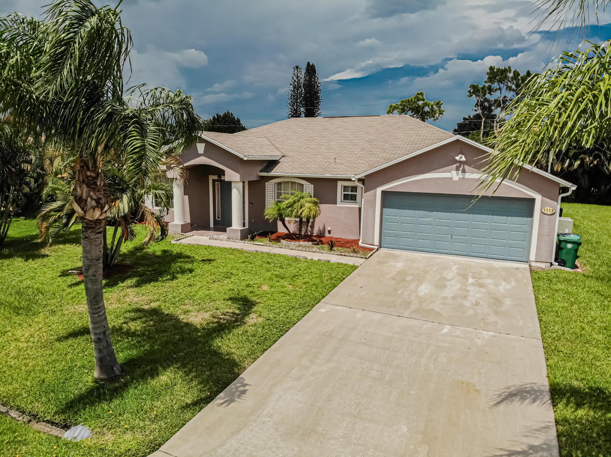 1113 Se Sabina Lane, Port Saint Lucie, FL 34983