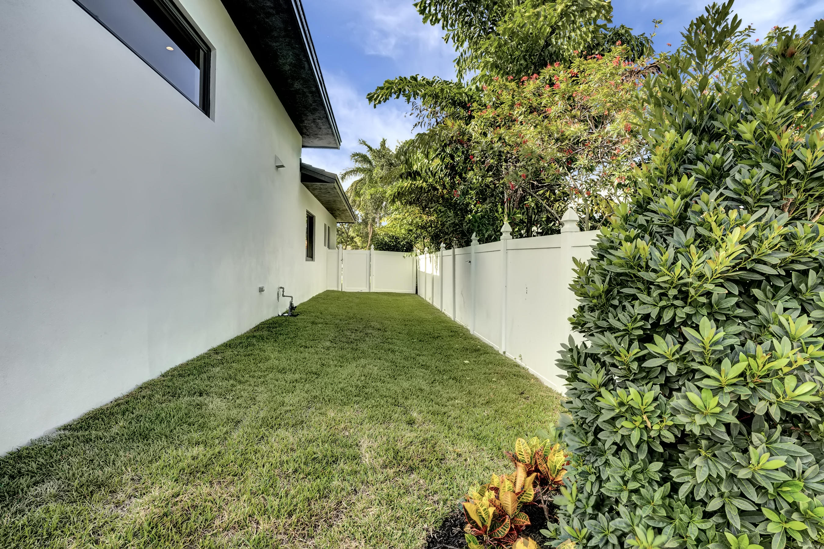 1405 Ne 4th Avenue, Boca Raton, FL 33432