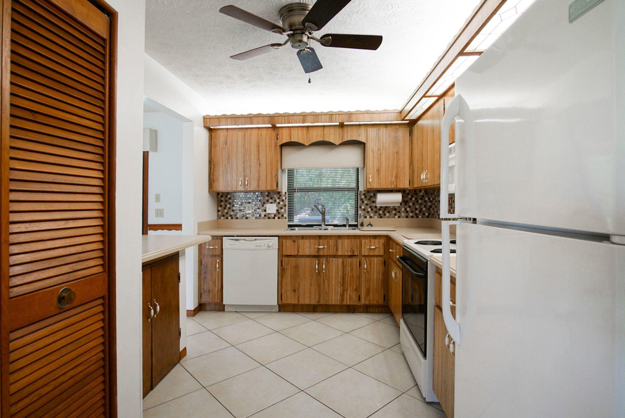 1598 Sw Irving Street, Port Saint Lucie, FL 34983