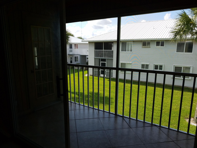 205 Se Village Drive, Port Saint Lucie, FL 34952
