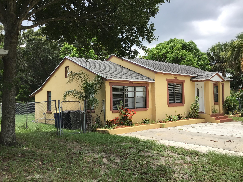 1116 Colonial Road, Fort Pierce, FL 34950
