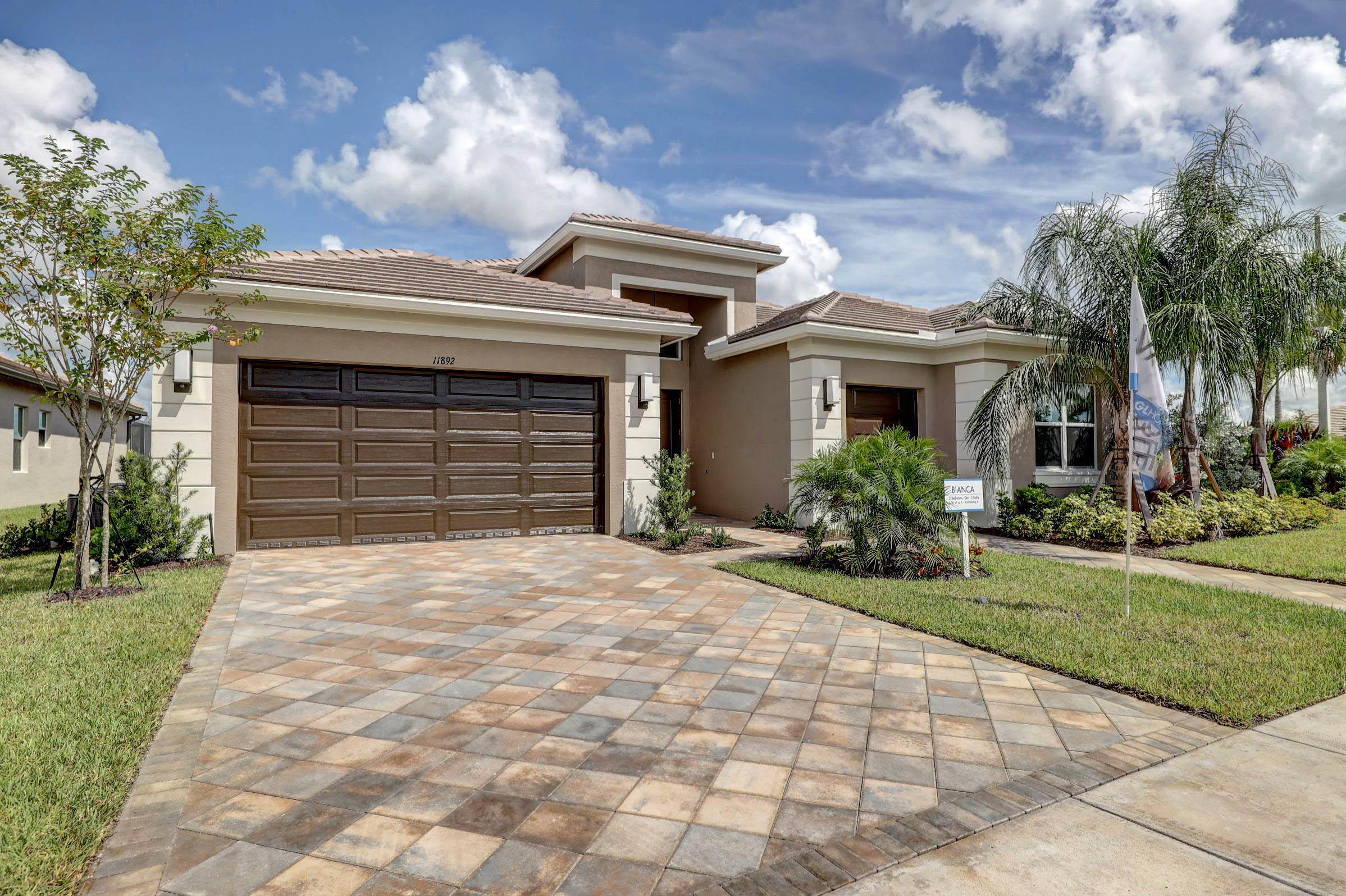11892 Sw Hunter Hill Avenue, Port Saint Lucie, FL 34987