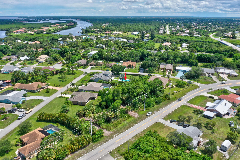 2541 Se Floresta Drive, Port Saint Lucie, FL 34984