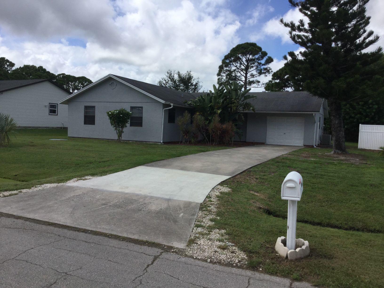 646 Sw Byron Street, Port Saint Lucie, FL 34983