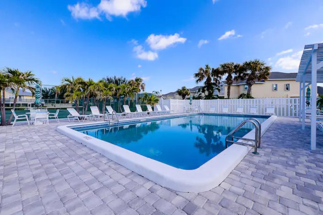 4041 Ne Breakwater Drive, Jensen Beach, FL 34957