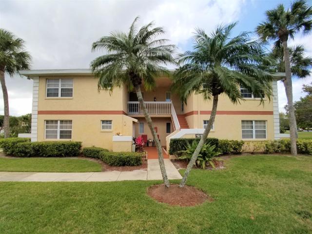 1562 Se Royal Green Circle, Port Saint Lucie, FL 34952